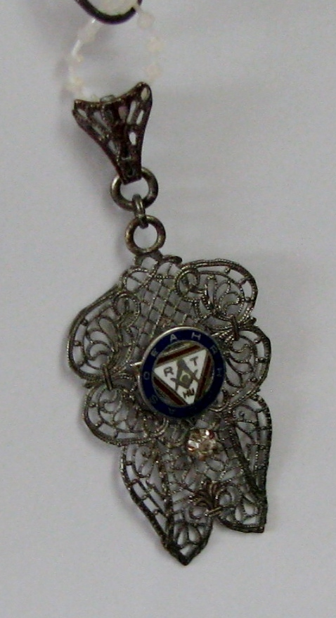 Silver filigree Masonic pendant - 189KB