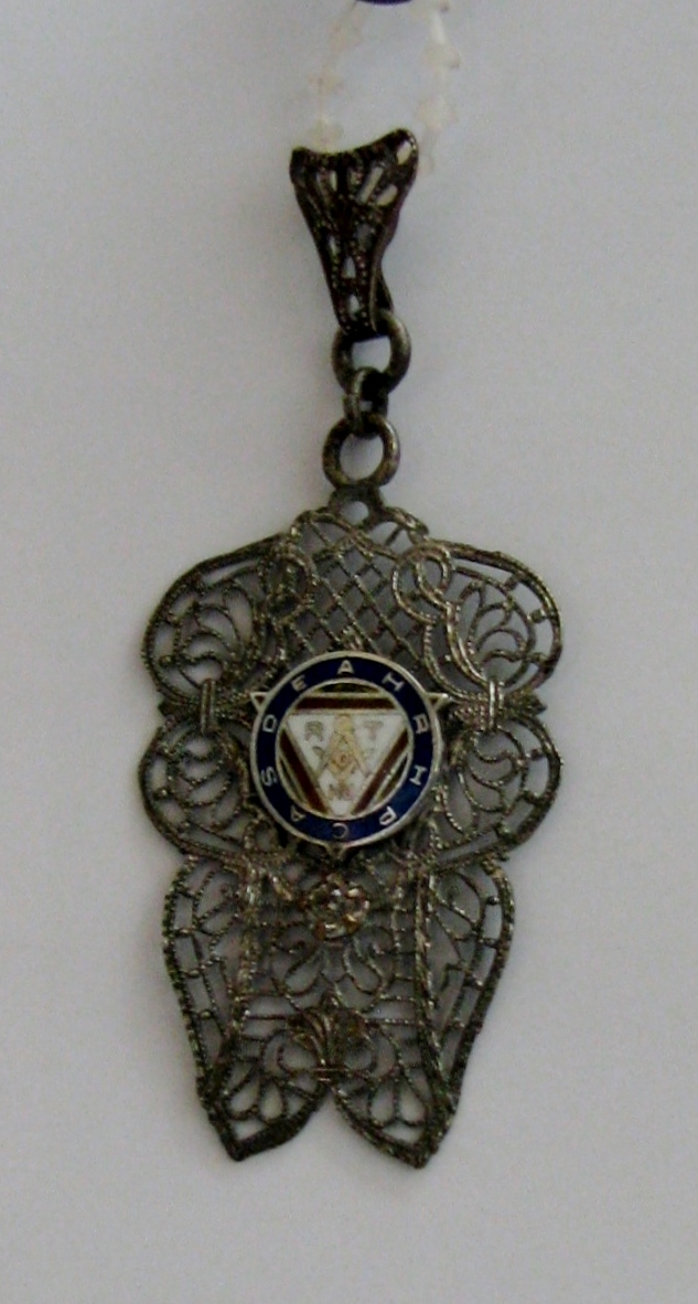 Silver filigree Masonic pendant - 288KB